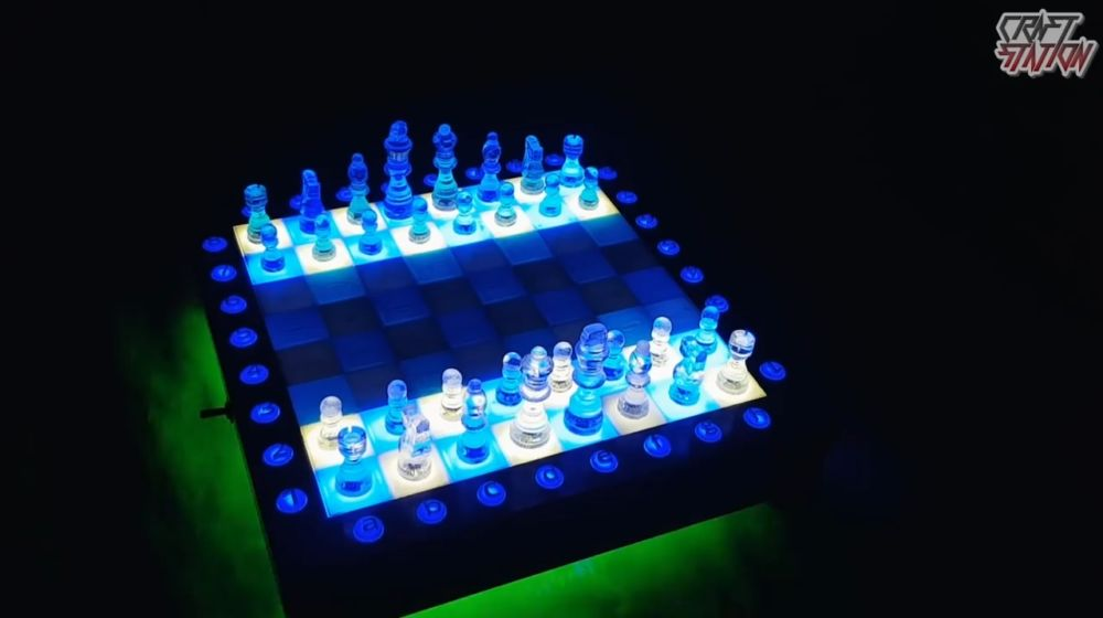 Шахматы из эпоксидной смолы шаг 1