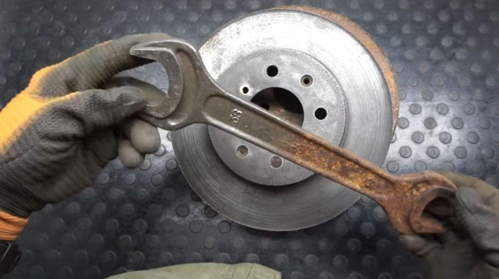 очищенный от ржавчины металл