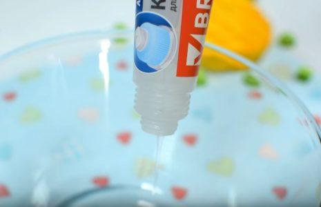 Процесс изготовления слайма из зубной пасты 1