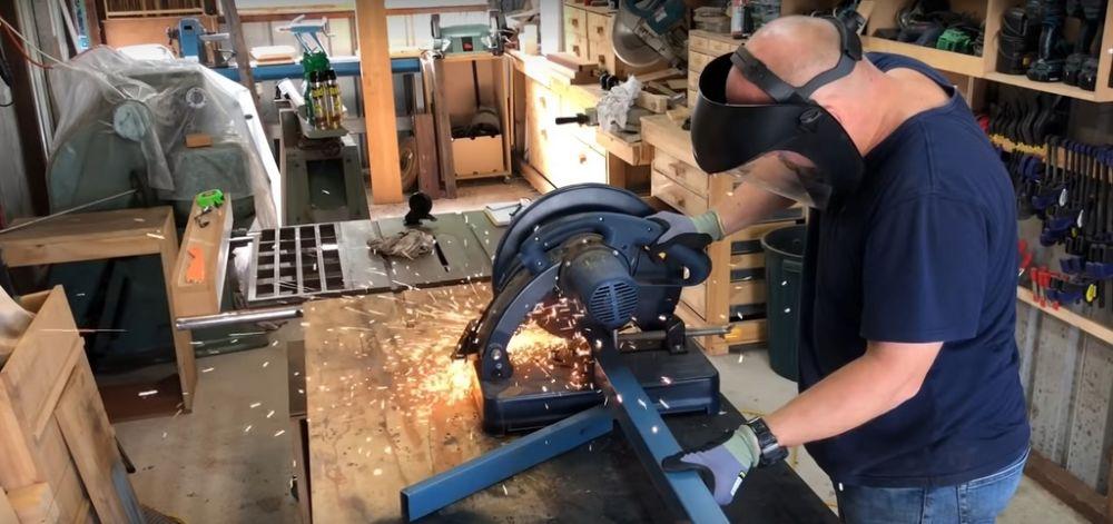 Процесс изготовления коптильни из газового баллона шаг 1