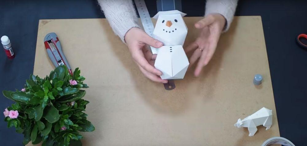 Снеговик оригами шаг 1