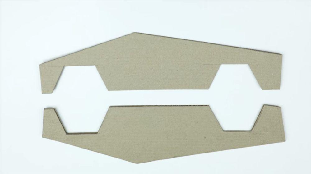 вырезка боковых стенок модели