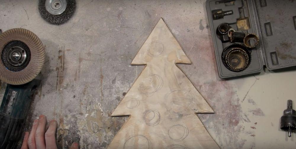 Процесс изготовления елки стимпанк шаг 9