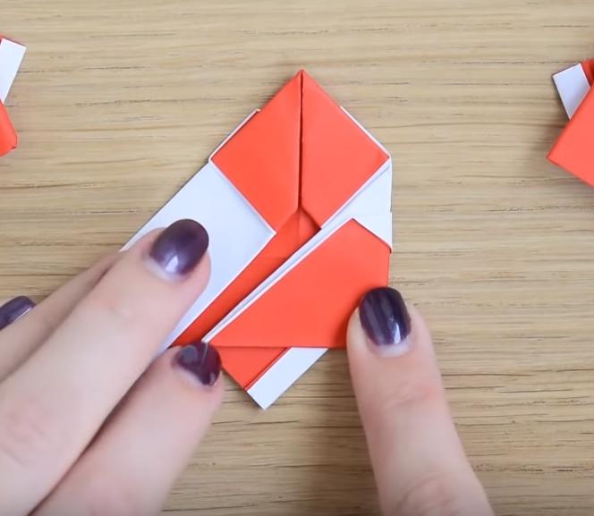 Процесс изготовления деда мороза оригами вариант 2 шаг 10