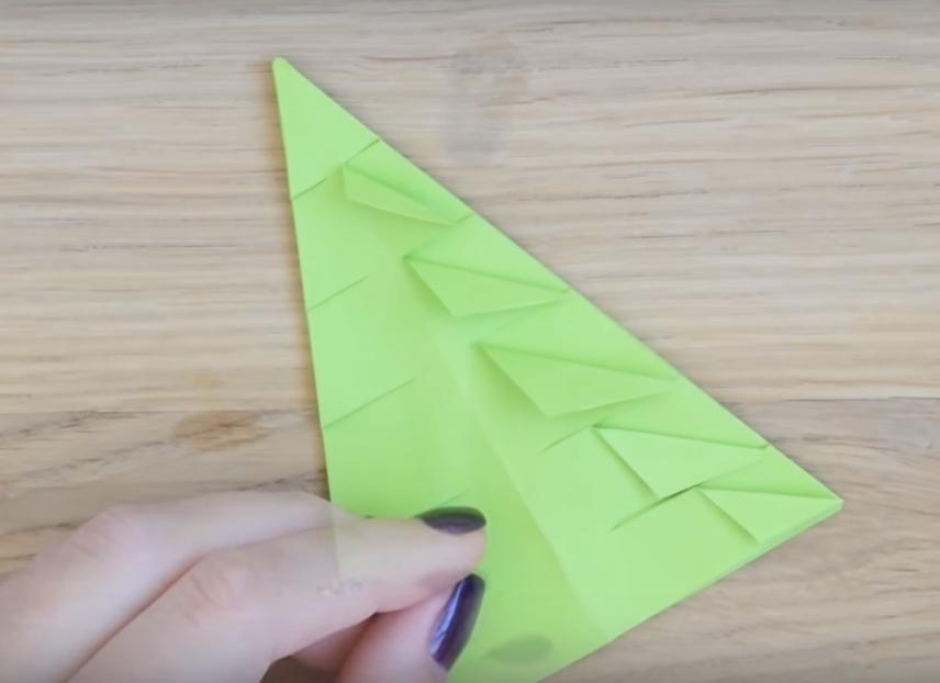 Процесс изготовления елки оригами шаг 10