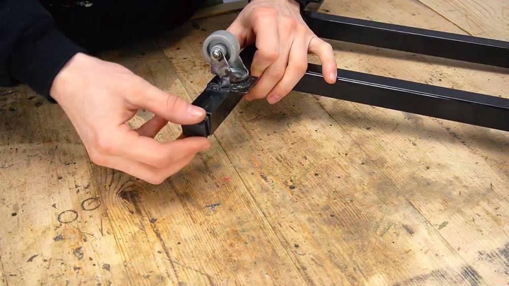 Процесс изготовления ручной бетономешалки шаг 10