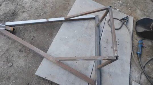 Жесткий каркас лопаты