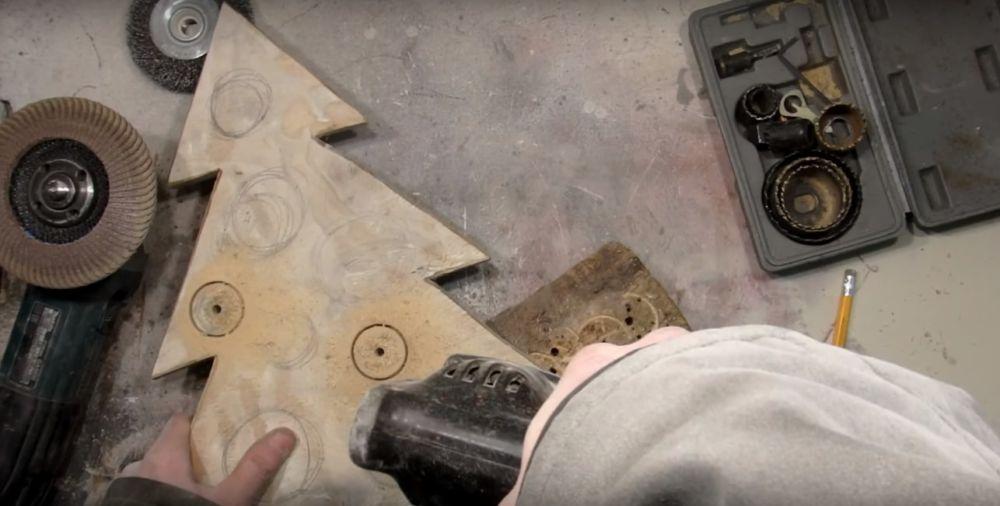 Процесс изготовления елки стимпанк шаг 10