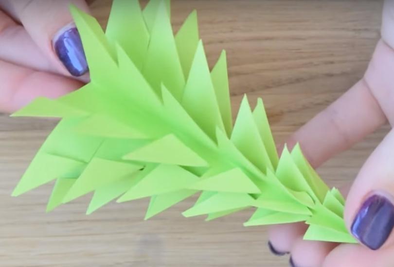 Процесс изготовления елки оригами шаг 11