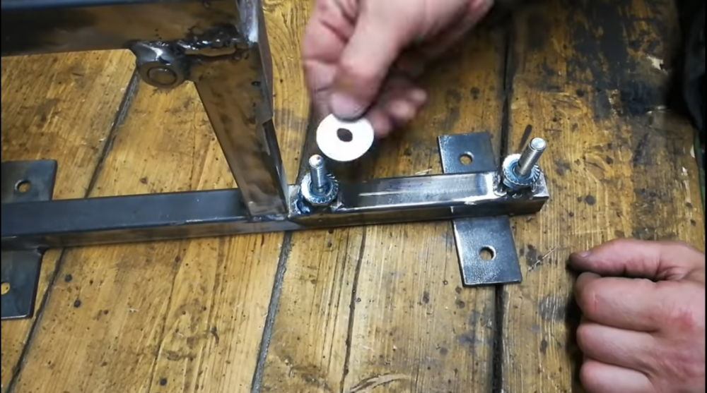 Процесс изготовления гриндера из болгарки шаг 13