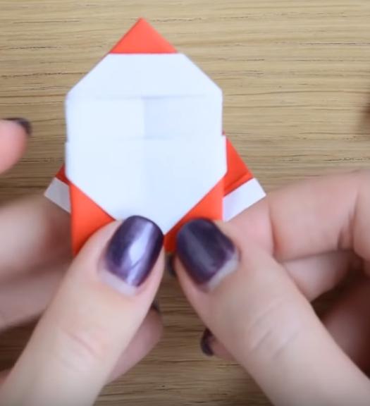 Процесс изготовления деда мороза оригами вариант 2 шаг 12