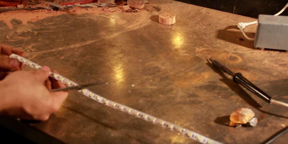 Процесс изготовления светильника из полена шаг 13