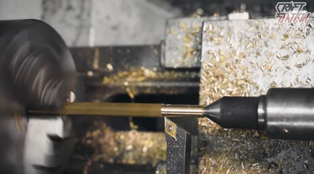 Трубка для монтажа кресала и кремния