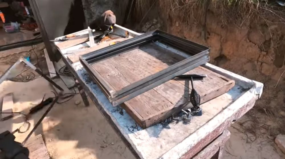 Готовые рамки полок стеллажа