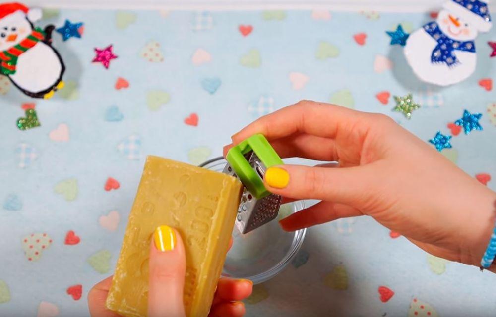 Процесс изготовления слайма из мыла шаг 15