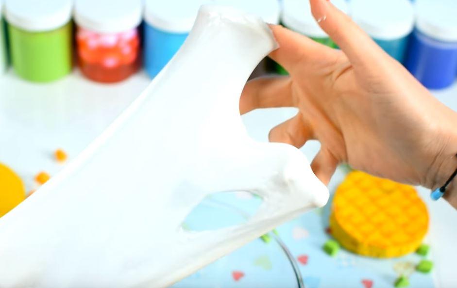 Процесс изготовления слайма из зубной пасты шаг 15