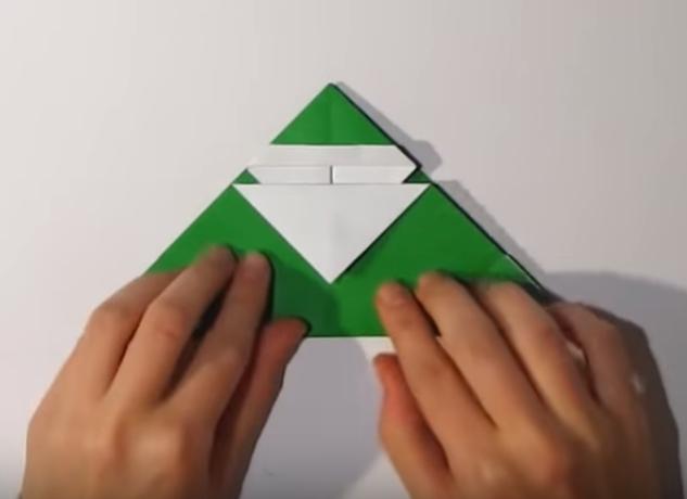 Процесс изготовления деда мороза оригами вариант 1 шаг 15