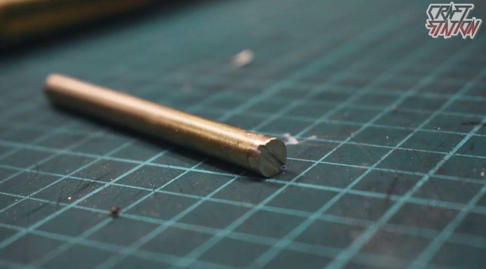 Трубка для монтажа кресала и кремния с заглушкой