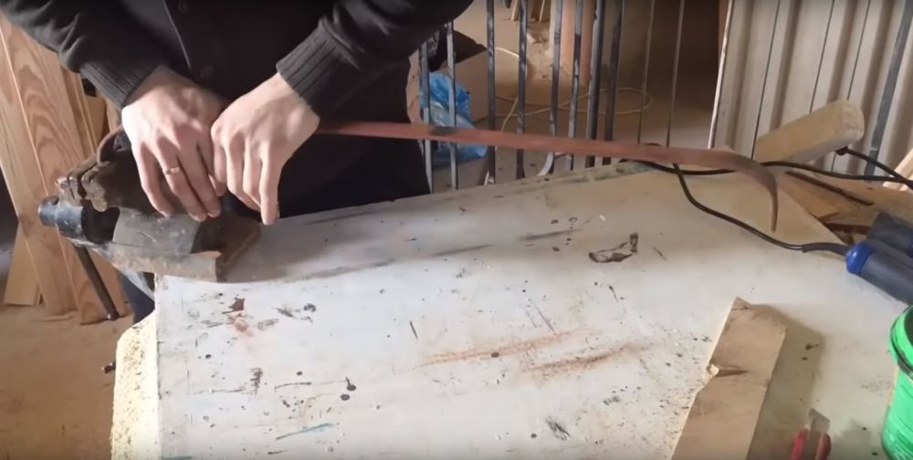 Процесс изготовления журнального столика лофт шаг 16