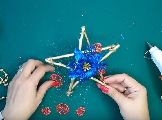 Процесс изготовления новогодних звезд шаг 16