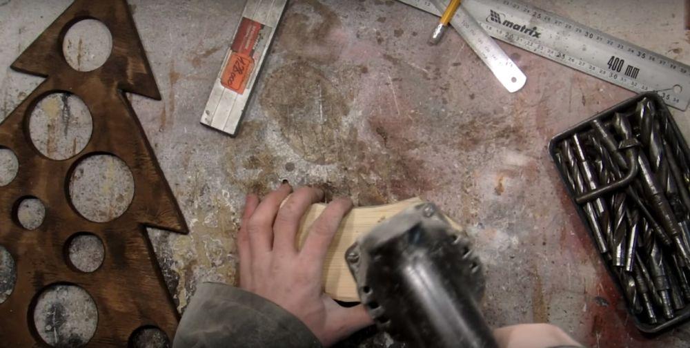 Процесс изготовления елки стимпанк шаг 17