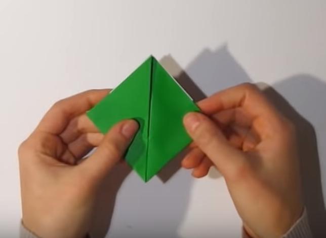 Процесс изготовления деда мороза оригами вариант 1 шаг 18