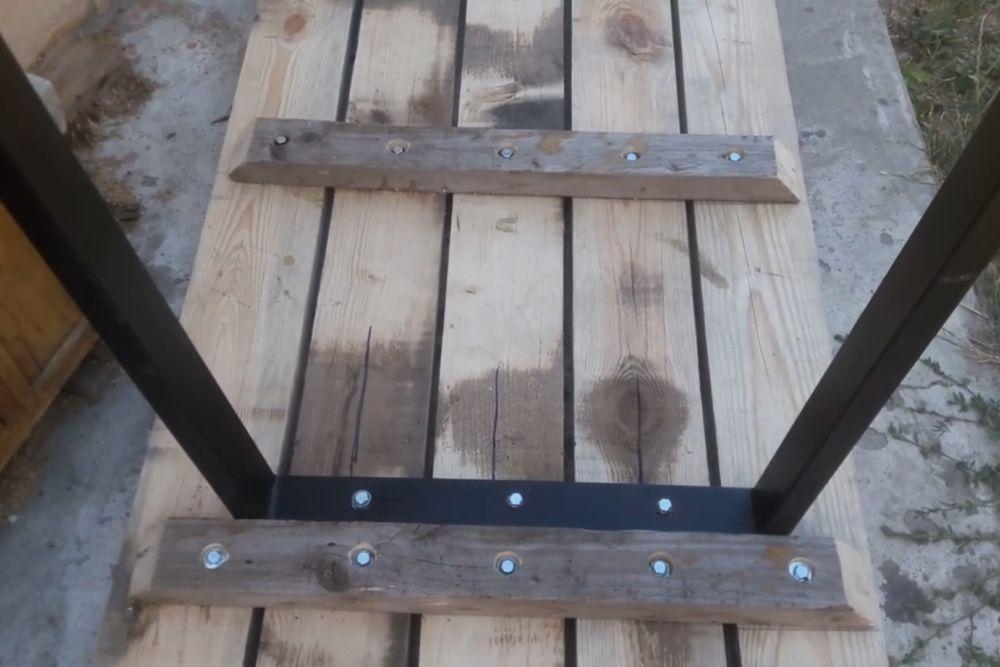 Процесс изготовления деревянного стола шаг 18