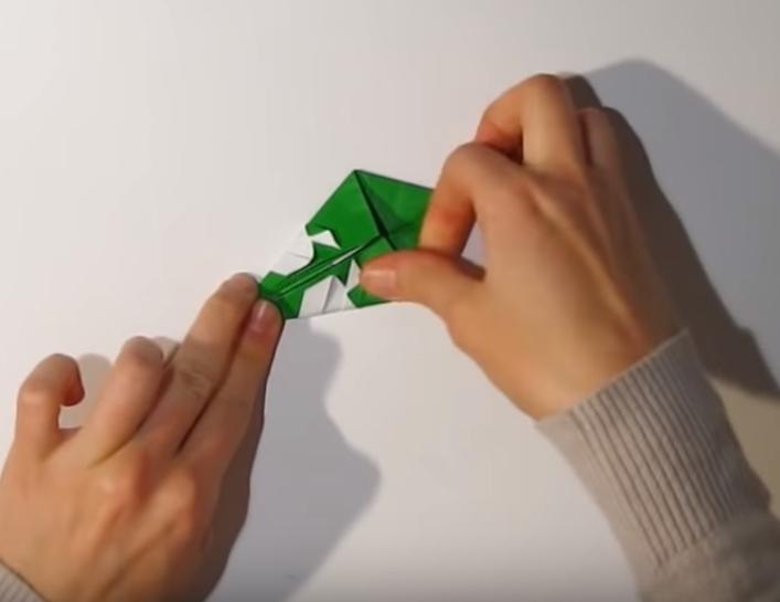 Процесс изготовления деда мороза оригами вариант 1 шаг 19
