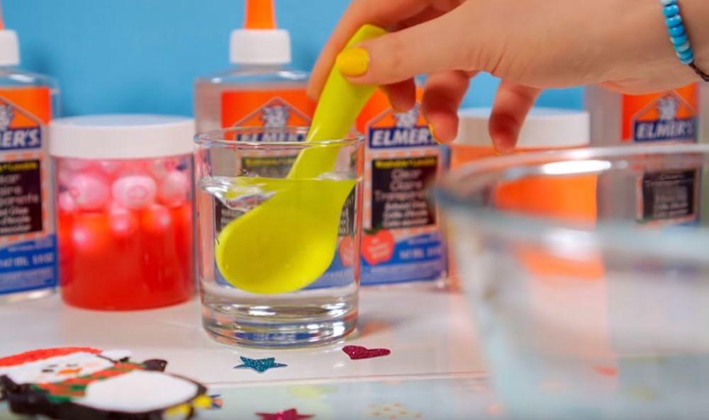 Процесс изготовления слайма из мыла шаг 2