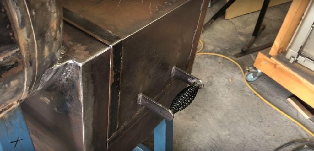 Процесс изготовления коптильни из газового баллона шаг 20