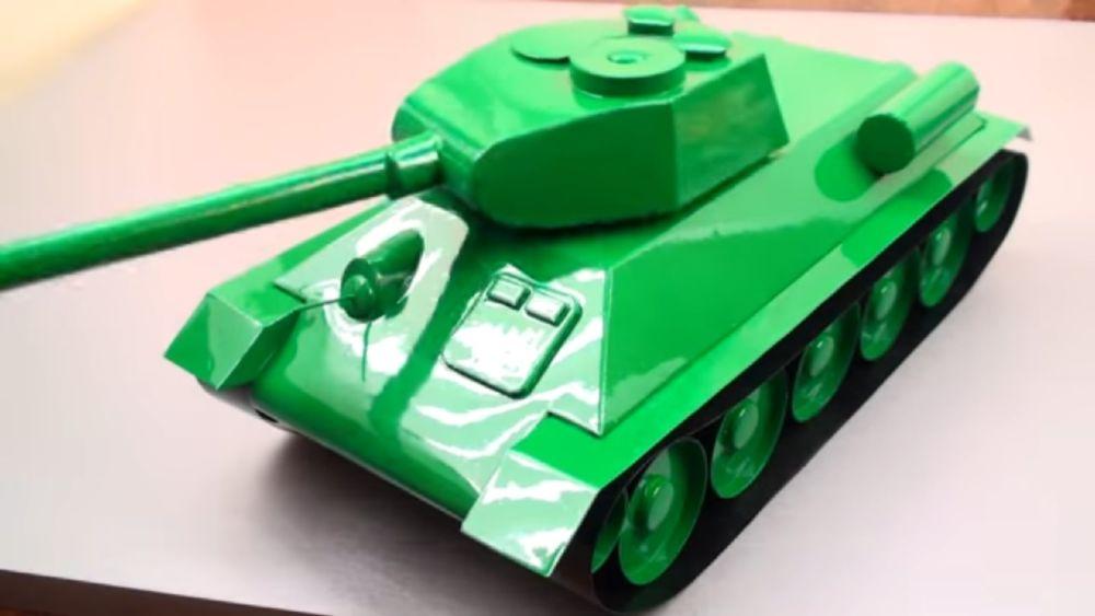 Процесс изготовления танка из картона шаг 20