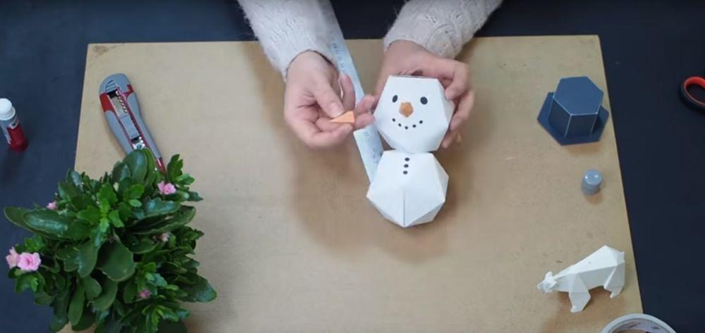 Процесс изготовления снеговика оригами шаг 21