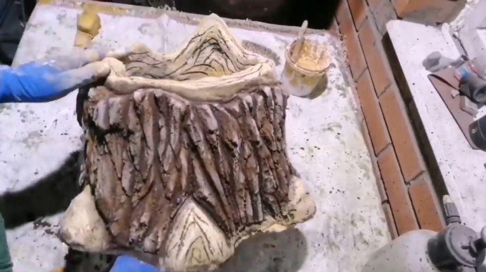 Процесс изготовления пня из цемента шаг 23