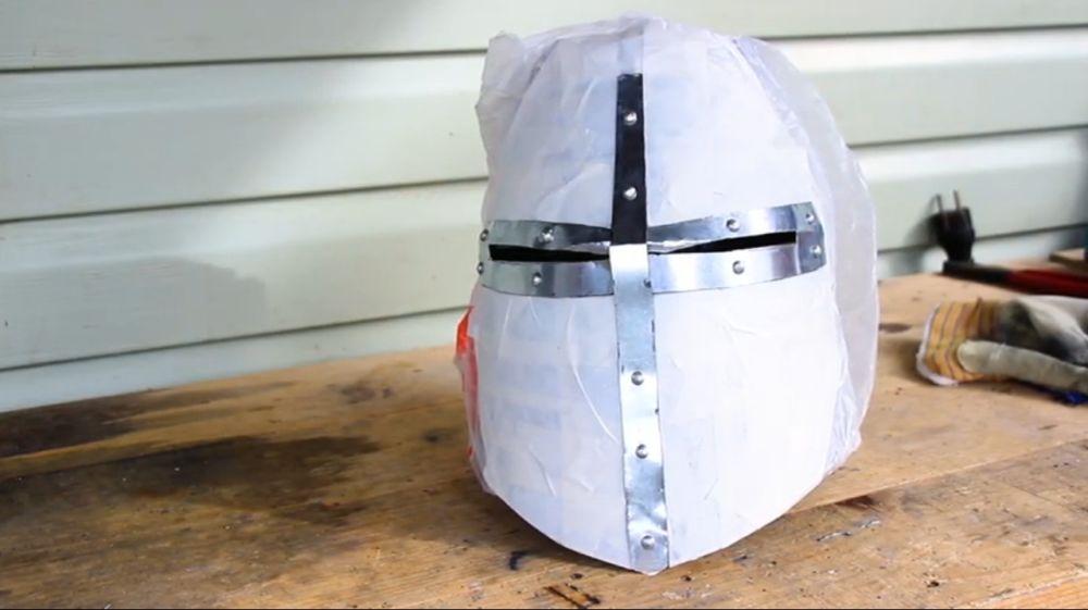 Процесс изготовления шлема рыцаря-крестоносца шаг 26