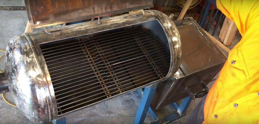 Процесс изготовления коптильни из газового баллона шаг 27