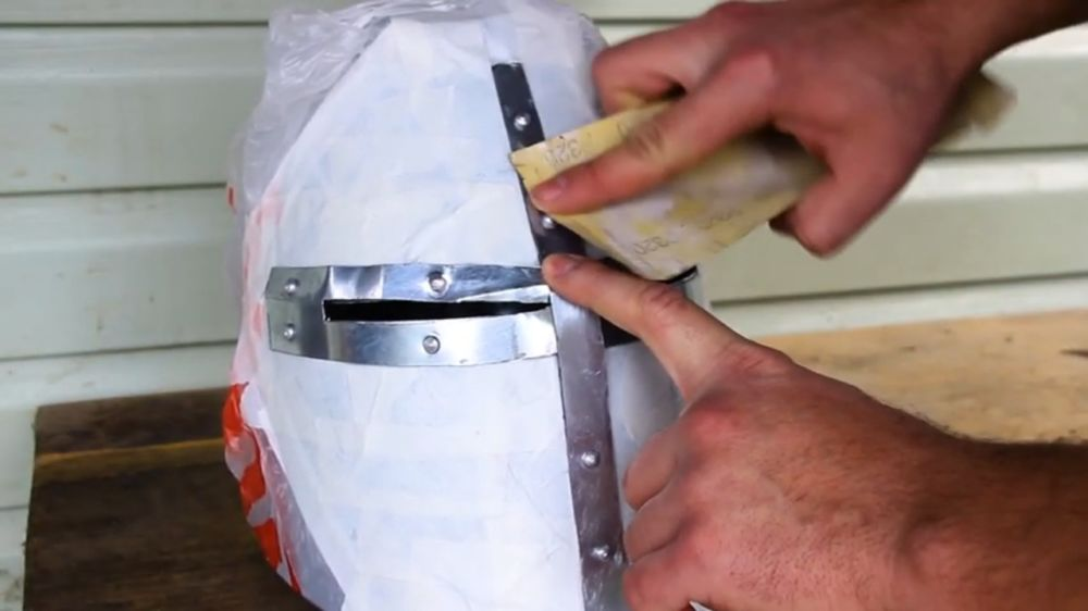 Процесс изготовления шлема рыцаря-крестоносца шаг 27