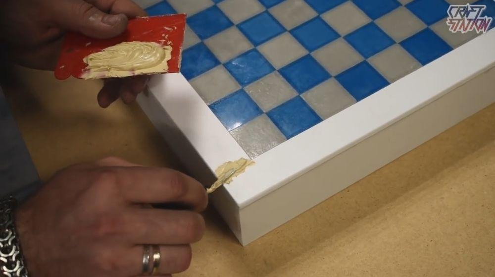 Процесс изготовления шахмат из эпоксидной смолы шаг 28