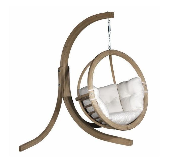 Кресло-купол на деревянном каркасе