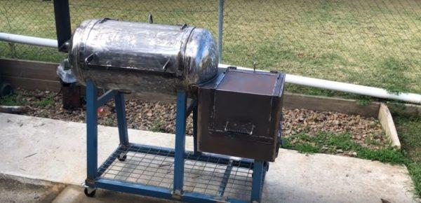 Процесс изготовления коптильни из газового баллона шаг 28