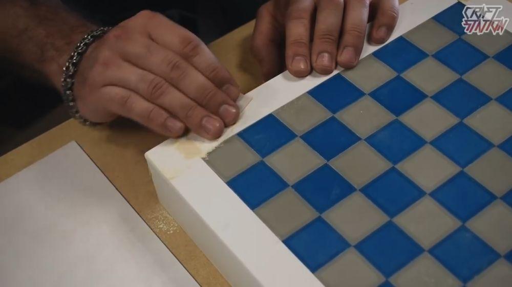 Процесс изготовления шахмат из эпоксидной смолы шаг 29
