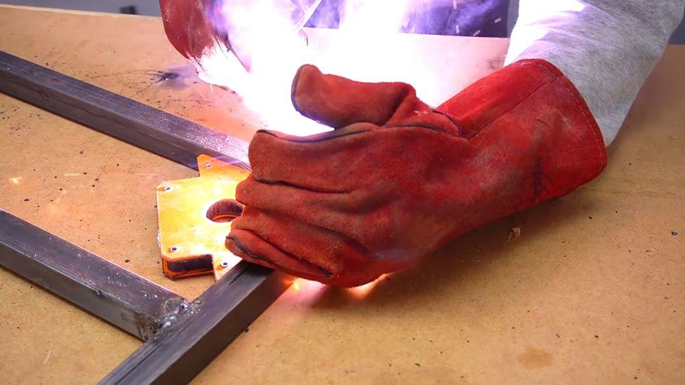 Процесс изготовления ручной бетономешалки шаг 3