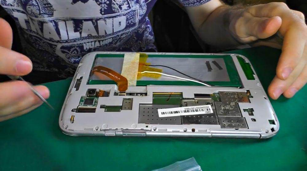 разобранный планшет