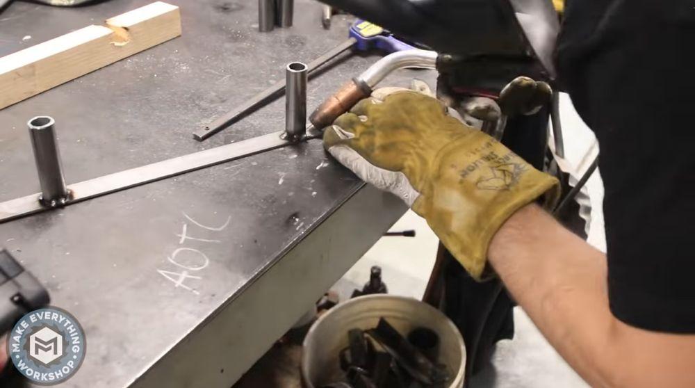 Изготовление кронштейна