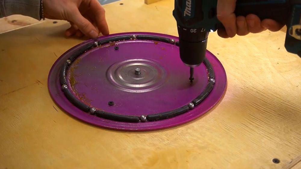 Процесс изготовления ручной бетономешалки шаг 33