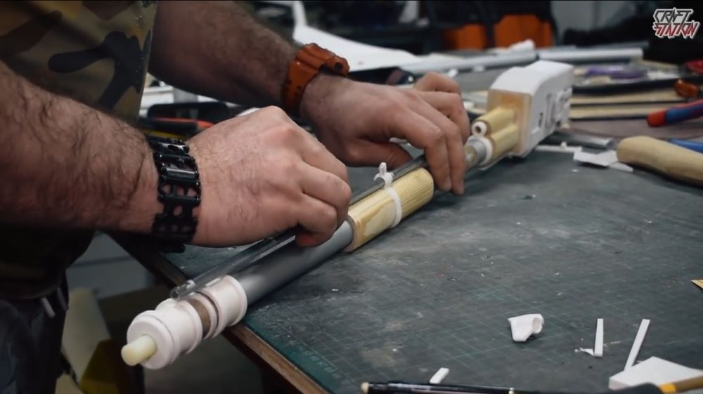 Процесс изготовления винтовки мондалорца шаг 35