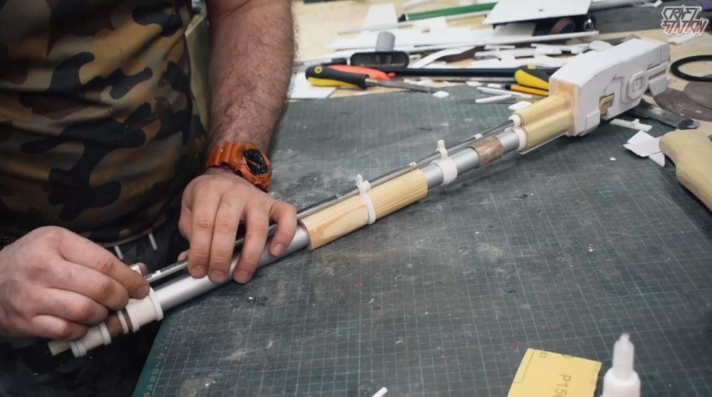 Процесс изготовления винтовки мондалорца шаг 36
