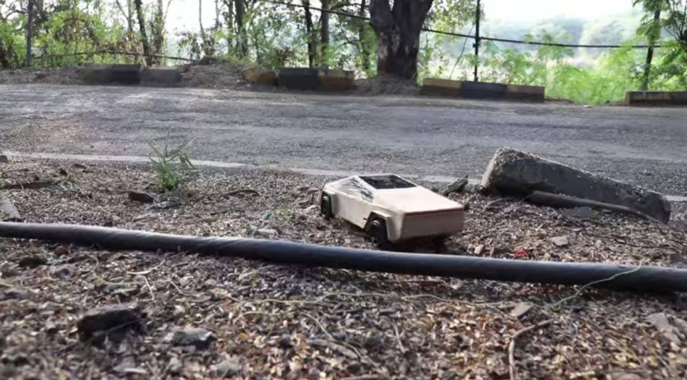 Тесла кибертрак из картона своими руками