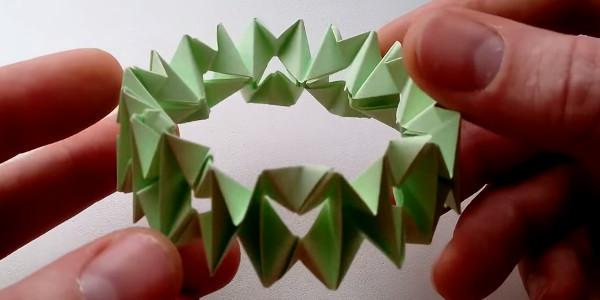 Браслет из бумаги в технике оригами
