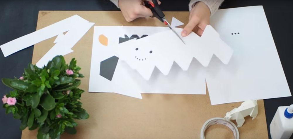 Процесс изготовления снеговика оригами шаг 4