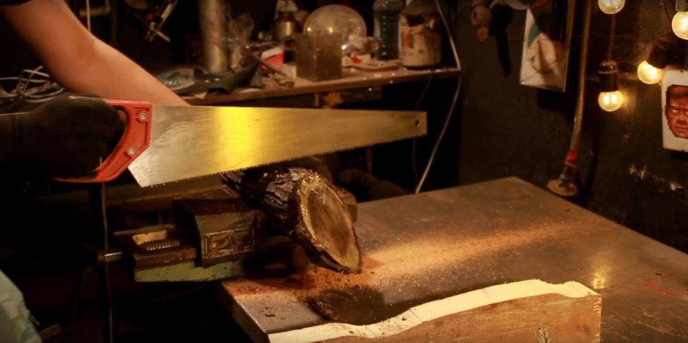 Процесс изготовления светильника из полена шаг 4